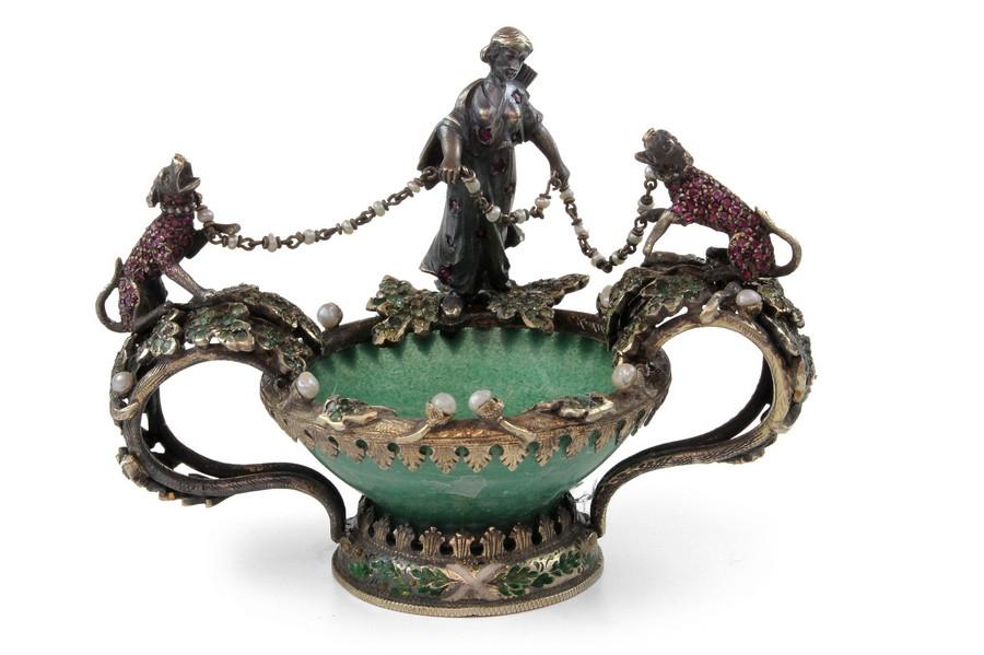 Jewlled Dish - Diana the Huntress