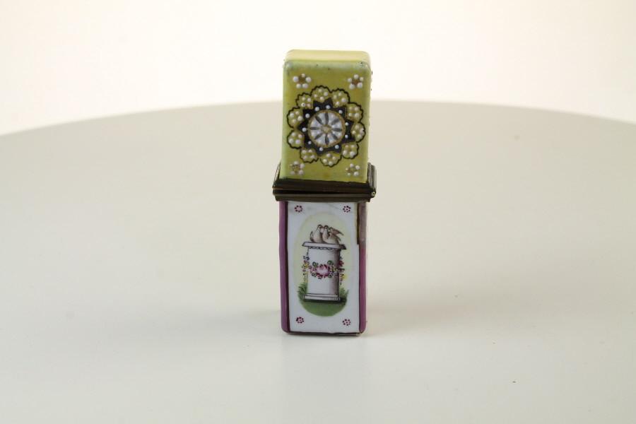 Bilston  scent case