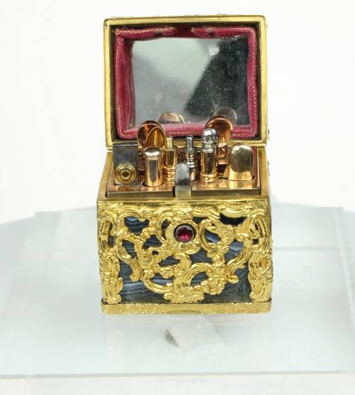 Fine Gold Mounted George 3rd Agate Necessaire