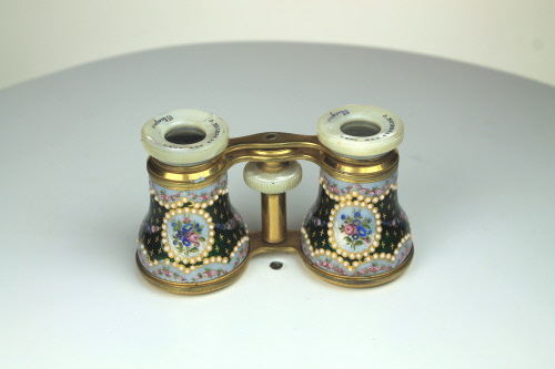 A good pair of French enamel opera glasses