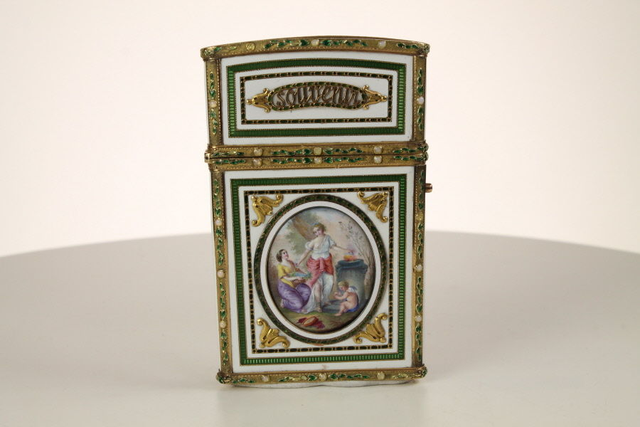 A Fine French  Gold and Enamel Carne de Balle