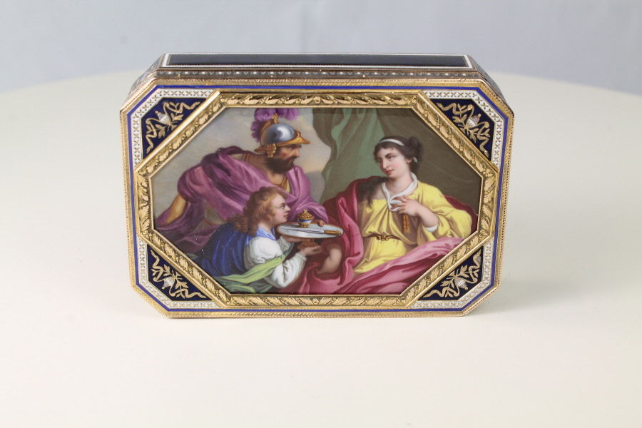 Gold and Enamel snuff Box by Sene and Neisser Geneva
