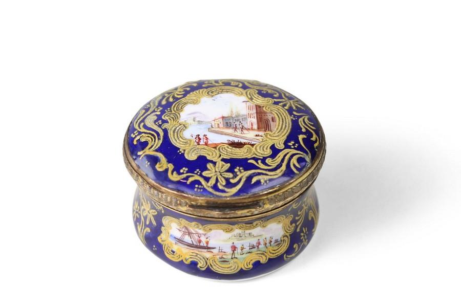 Rare Honeysuckle Patch Box