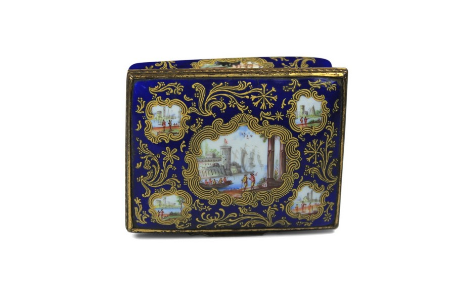 A rare Honeysuckle Snuff Box