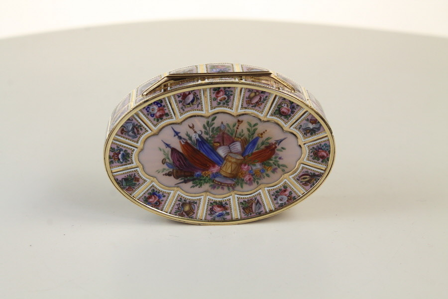 A Fine Swiss Gold and Enamel Box