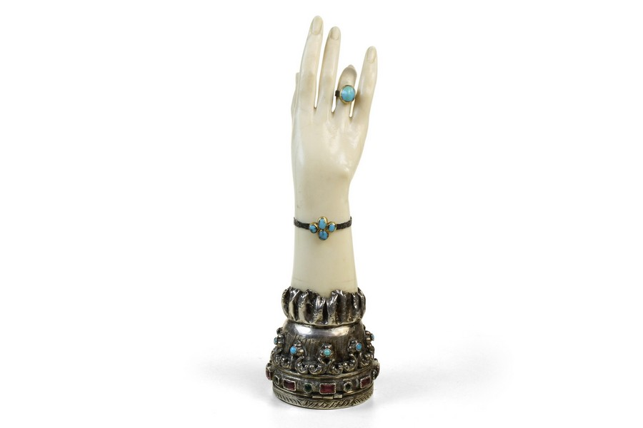 The Hand Of a Beauty
