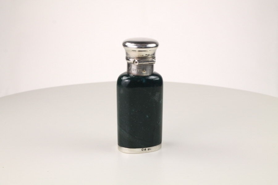 Green Hardstone Silver Mounted scent bottle